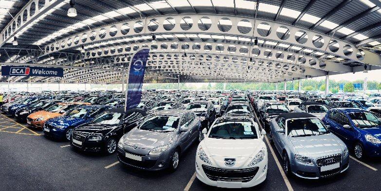 Осенью вПетербурге было реализовано неменее 12,7 тыс. новых авто
