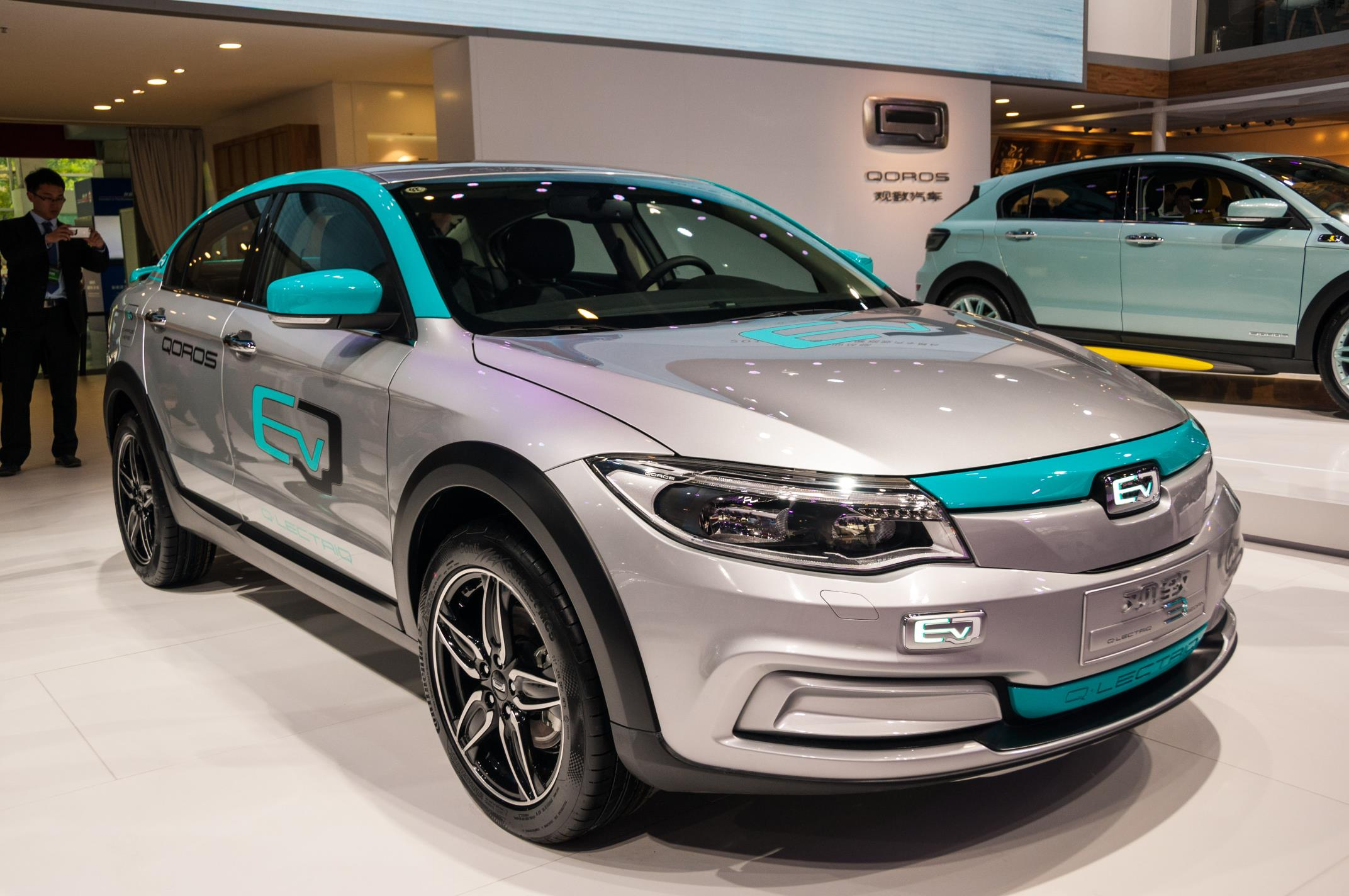Qoros представил электромобиль 3 Q-Lectriq