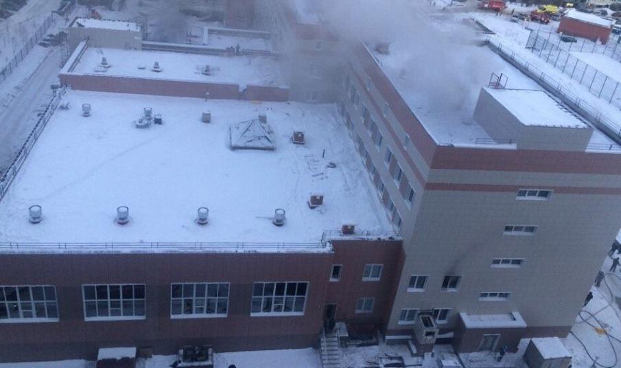 ВГорском микрорайоне загорелось недостроенное строение общеобразовательной школы