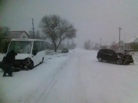ВВоронежской области вДТП сучастием маршрутного такси пострадали шесть человек