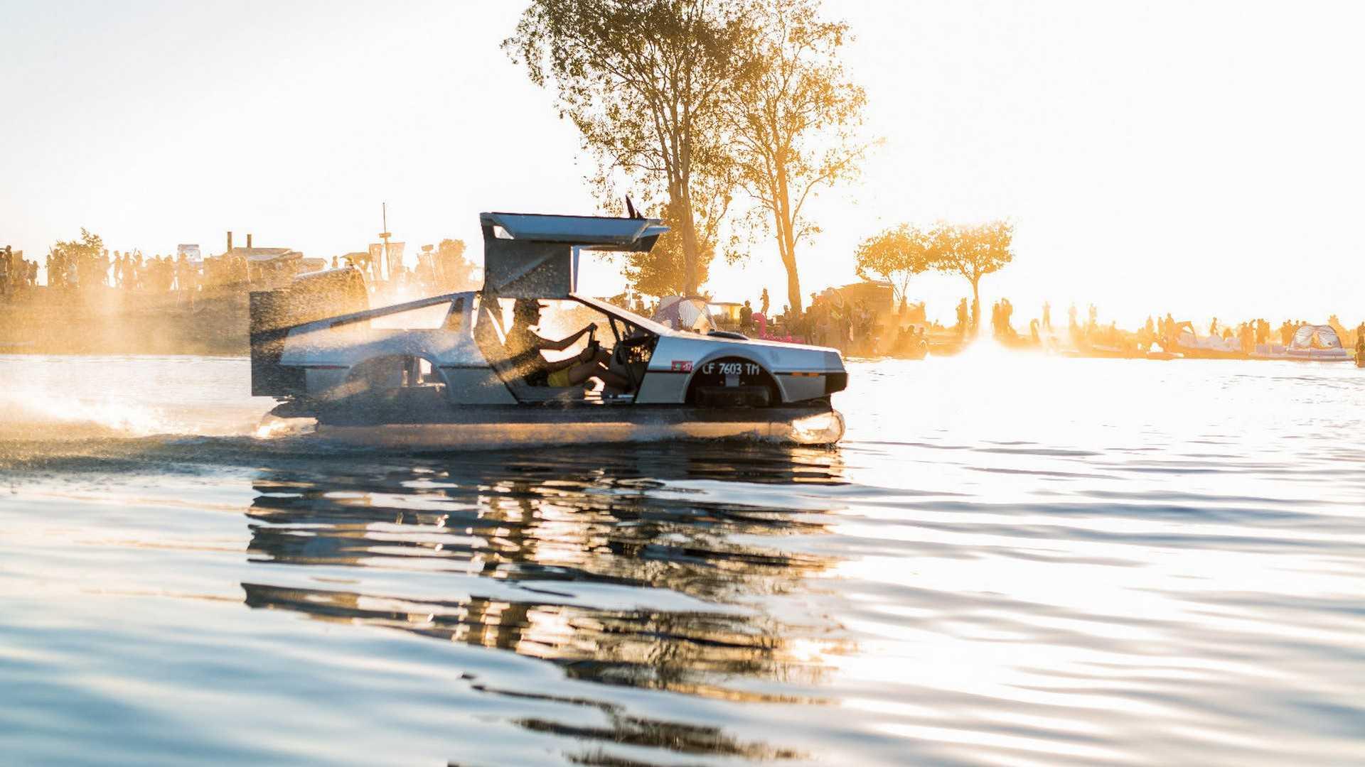 Летающий вездеход DeLorean реализуют вглобальной сети за3 млн руб.