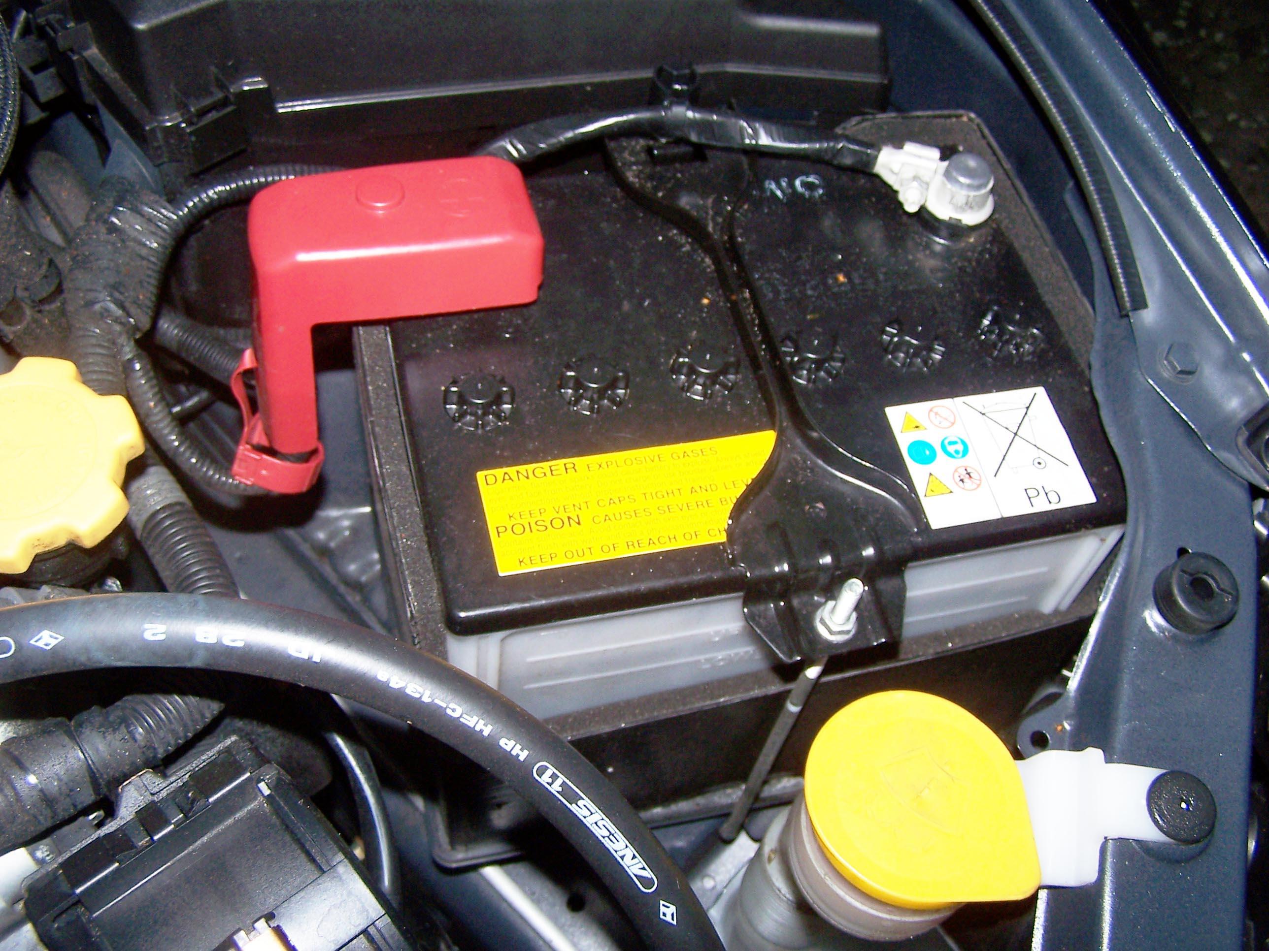 СМИ поведали отом, как завести автомобиль при разряженном аккумуляторе
