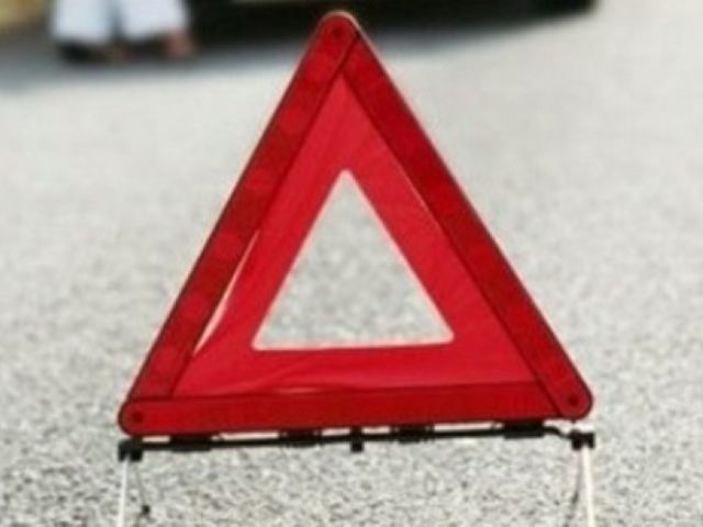 ВАстрахани столкнувшиеся машины чудом неснесли 2-х пешеходов на«зебре»