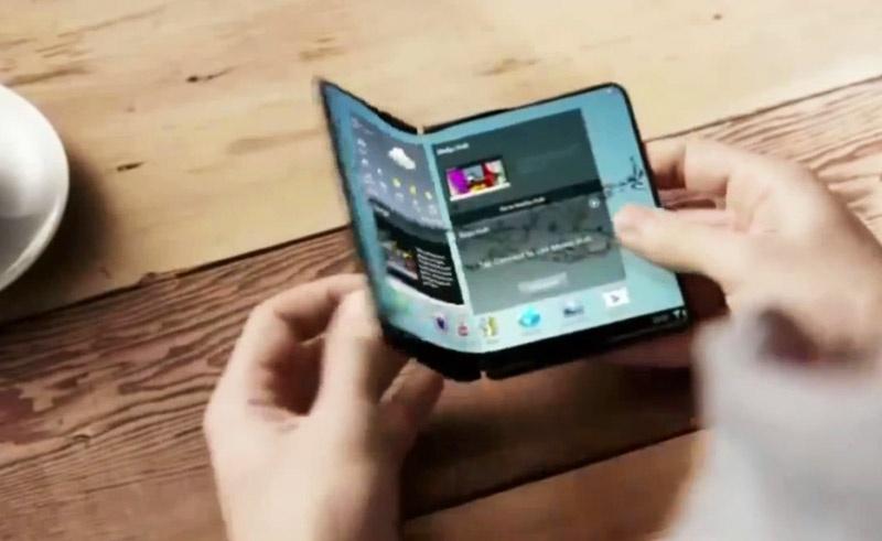 Компания Apple зарегистрировала новый патент наскладной iPhone сгибким дисплеем