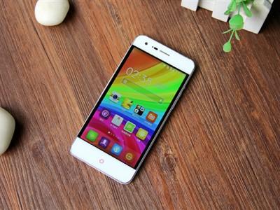 Смартфон Little Pepper S11 получил стиль iPhone X