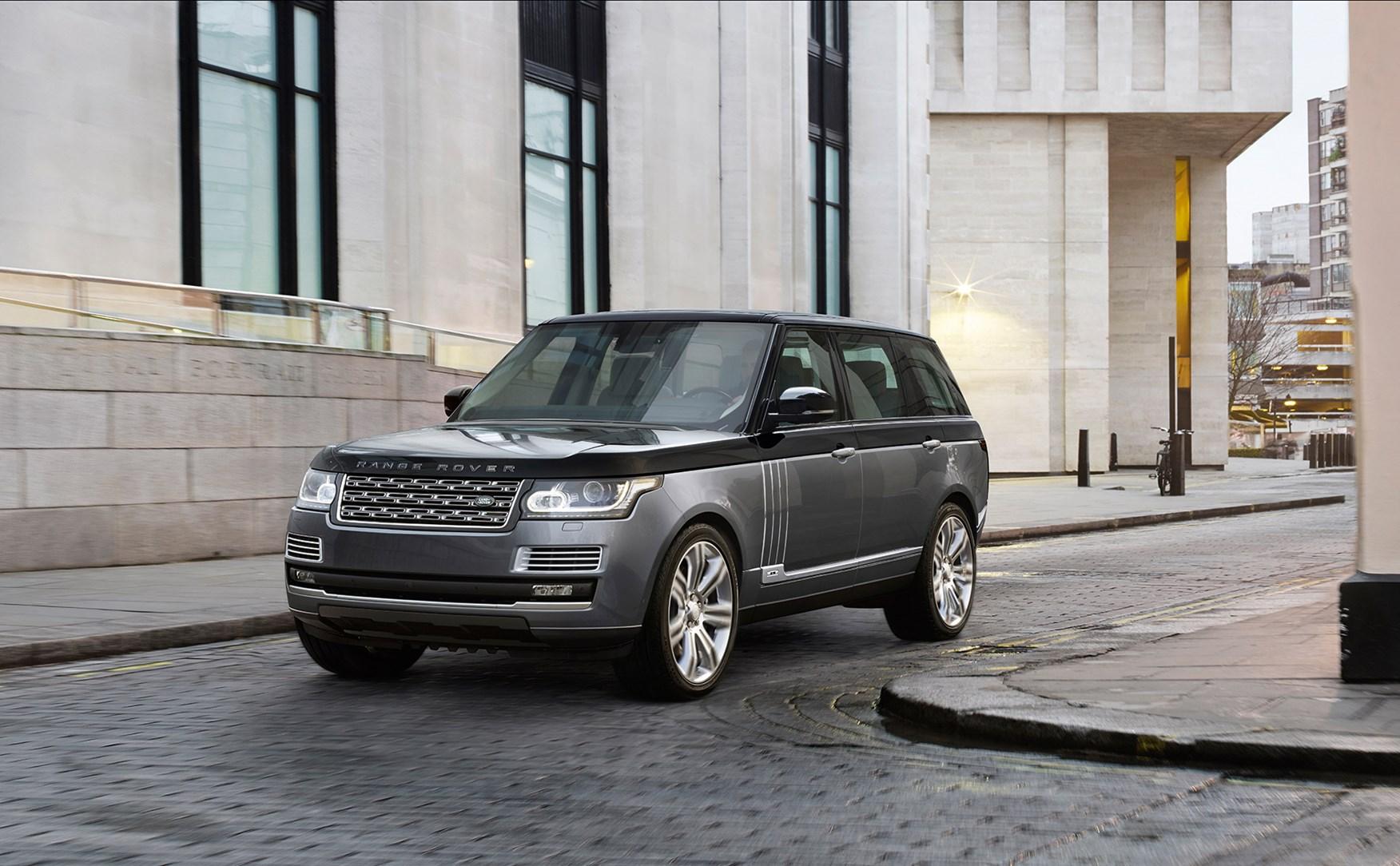Чудный Range Rover SVAutobiography судлиненной платформой представили официально