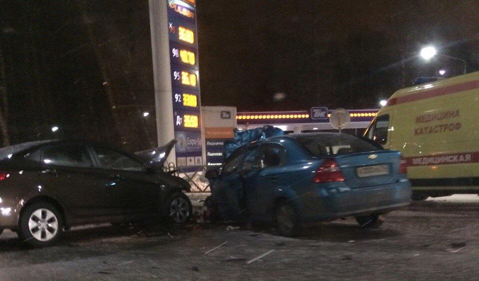 ВЗаволжском районе Ярославля столкнулись три автомобиля