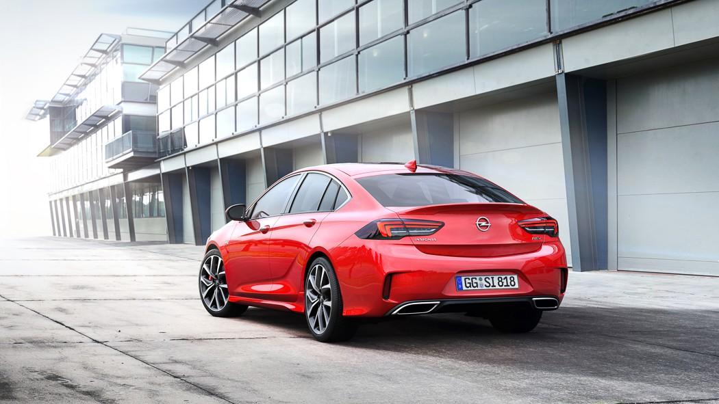В Европе появилась заряженная версия Opel Insignia GSi