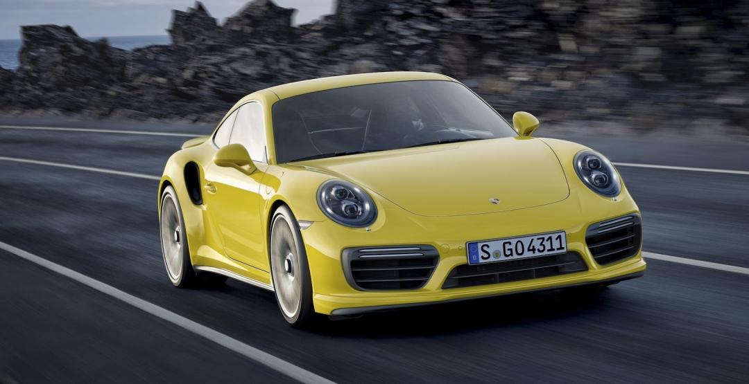 Спорткар Porsche 911 получит гибридную установку
