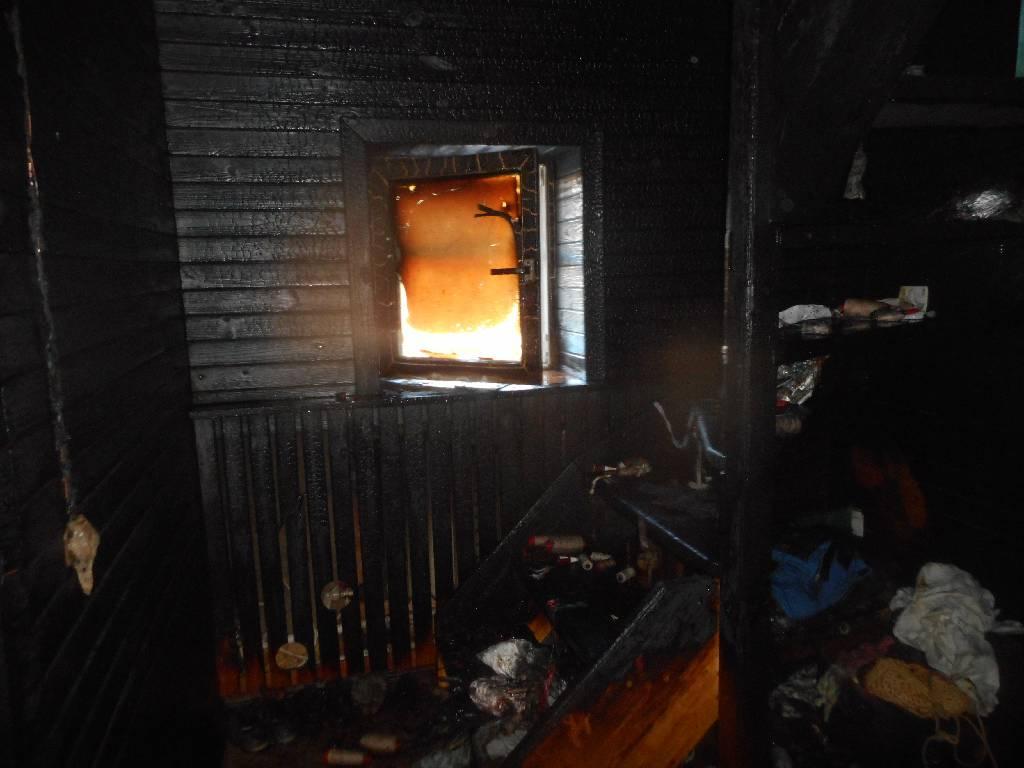 ВТомске впроцессе пожара вжилом доме погибла женщина