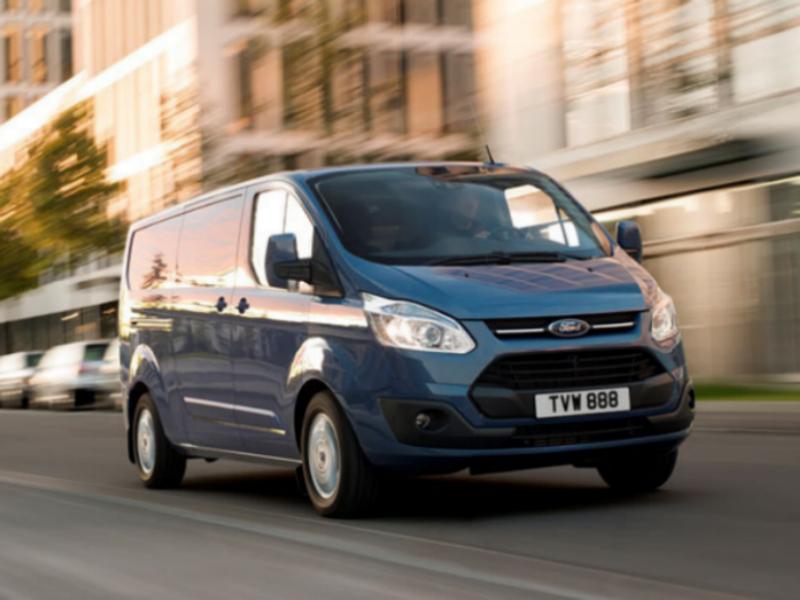 Стала известна стоимость фургона и микроавтобуса Ford