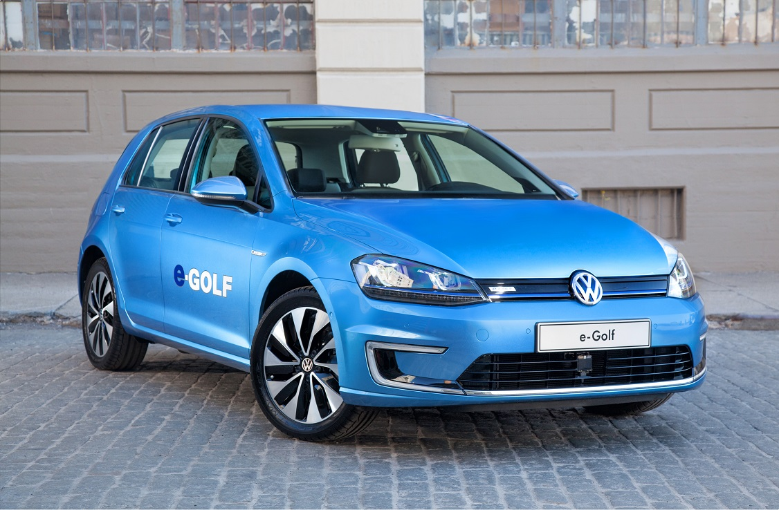 Volkswagen увеличит вдва раза производство e-Golf из-за возросшего спроса